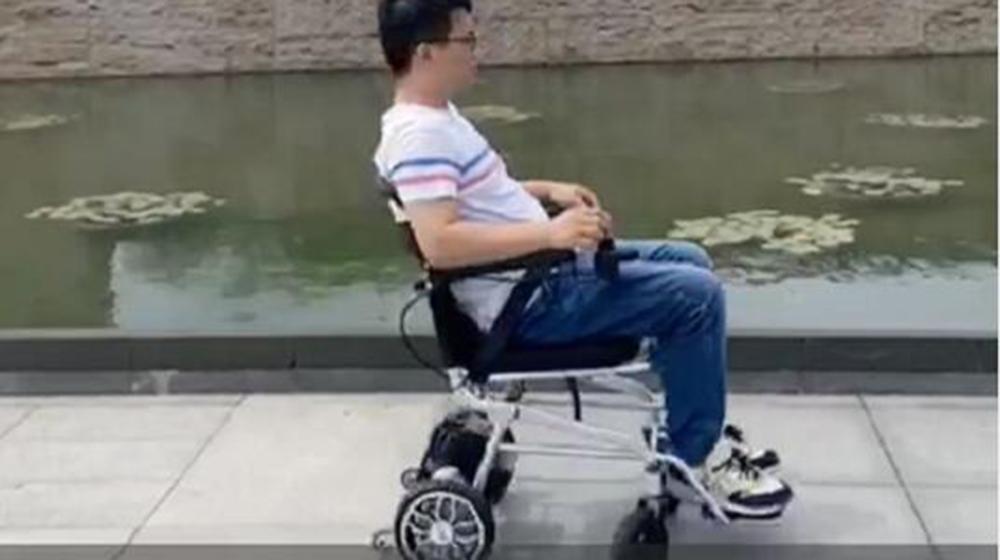 电动轮椅车DYN18A-LW-ZJ演示视频